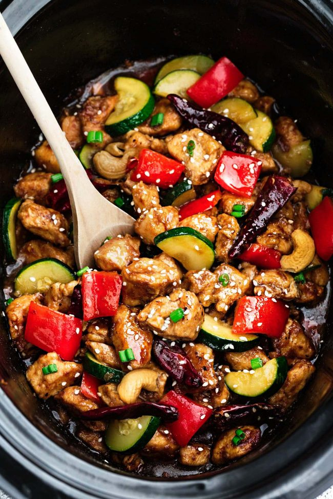 Skinny-Slow-Cooker-Kung-Pao-Chicken-2-650x975